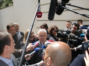 Jean-Jacques JEGOU à la sortie du comité stratégique
